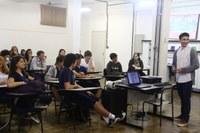 Americano promove palestra com Jonas Filander, aluno intercambista do Ensino Médio