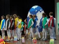"""Espetáculo """"Por um mundo melhor"""" dá início ao 16º Congresso Infantil"""