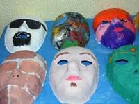 Estudantes do 7º ano do Ensino Fundamental expõem Máscaras de Gesso personalizadas