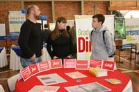Feira das Profissões reúne cerca de 80 estudantes do ensino médio no Centro Universitário