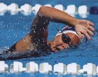 Lauren Goulart vence Campeonatos Brasileiro e Estadual de natação