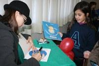 Moacyr Scliar e Ana Terra marcam presença no primeiro dia da Feira do Livro no Americano