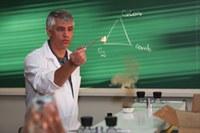 1ª Escola de Verão em Química e Educação está com inscrições abertas