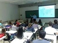 40 alunos participam de minicurso sobre negociações internacionais