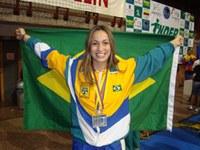 Aluna da educação física  é convocada para a Seleção Brasileira