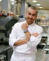 Aluno de gastronomia participa de estágio com Alex Atala