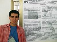 Aluno de química licenciatura apresenta trabalhos em Brasília