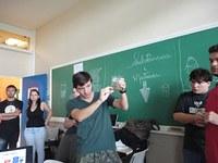 Alunos de biologia e química apresentam trabalhos na Feira de Libras
