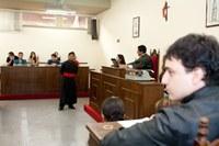Alunos de química participam de júri simulado