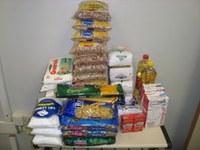 Alunos de RH doam alimentos ao asilo São Vicente de Paulo