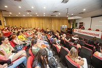Alunos participam de ciclo de palestras e aula magna