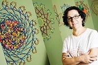 Cabides viram arte nas mãos da ex-aluna Fabiana Delfini