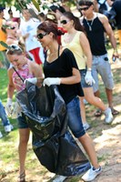 Calouros e veteranos participam de trote ecológico