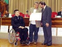 Coordenador do curso de educação física recebe homenagem