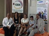 Docente da educação física participa de congresso  no Equador