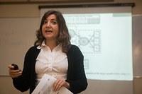 Docente da Universidad de Sevilla ministra aulas aos alunos do PPGA