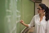 Docente de matemática ministra curso de formação continuada