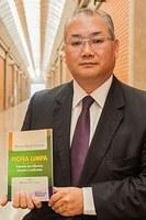 Docente do curso de direito lança obra sobre Lei da Ficha Limpa