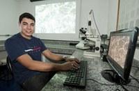 Estudante de eng. química apresenta artigo científico em Pernambuco