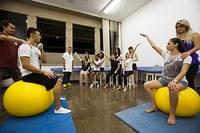 Funcionários participam de estudo de fisioterapia