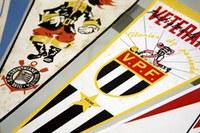 Museu do Futebol expõe flâmulas do acervo Rocha Netto