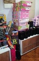 Pastorais de Santa Bárbara e Lins entregam kits de Natal