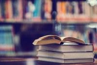 Plantão para devolução de livros na Biblioteca