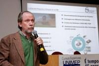 Prof. Klaus Schützer, do campus SBO,  ministra palestra na Alemanha