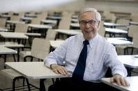 Prof. Paulo Affonso encerra encontro mundial de juristas