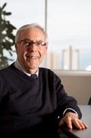 Prof. Paulo Affonso recebe título francês de Cavaleiro da Ordem