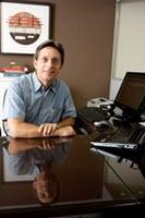 Professor de ciências contábeis recebe prêmio contabilista 2010