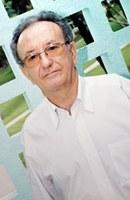 Professor do curso de odonto recebe título de cidadão linense