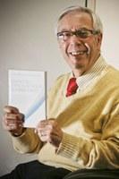 Professor Paulo Affonso lança livro no próximo sábado no Taquaral