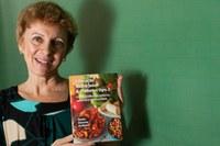 Professora lança obra sobre educação nutricional e diabetes