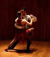 Um brinde ao tango e bolero no próximo sábado no Teatro Unimep