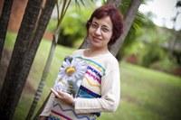 Unimepiana publica livro com traduções de poemas de Emily Dickinson