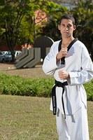 Unimepianos voltam com vitórias de competição de taekwondo